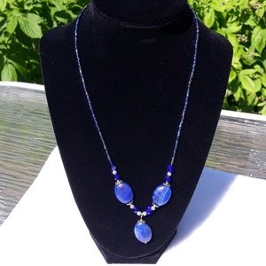 NWOT Blue agate 3 stone necklace